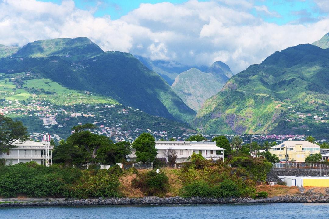 """Chaque année, l'île de La Réunion produit plusieurs milliers de tonnes de cendres volantes dans des centrales thermiques de type """"Spreader Stoker"""" (CVSS). [©ACPresse]"""