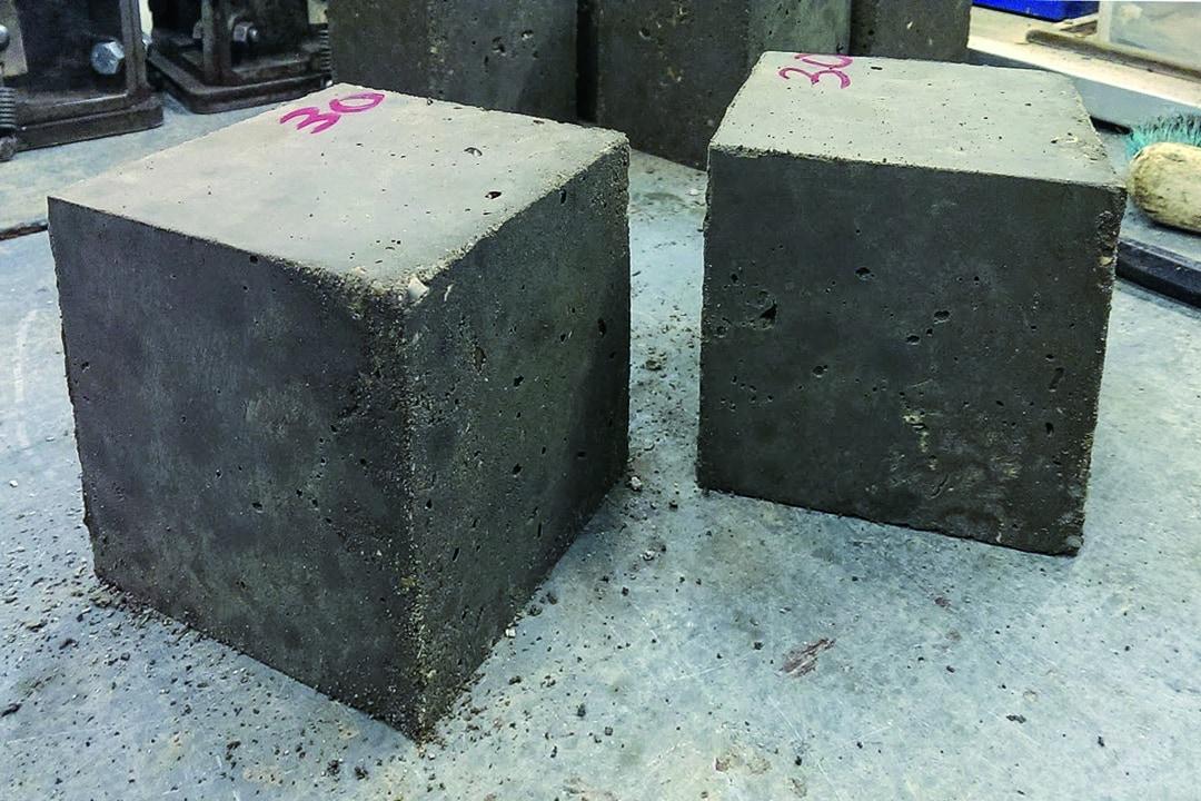 Tous les échantillons de Concrene préparés par les équipes de l'université d'Exter sont compatibles avec les normes britanniques pour la construction. [©Université d'Exter]