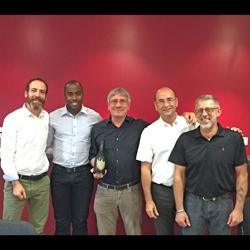 Franck Bernard (à gauche) et la nouvelle équipe de Max Frank France.