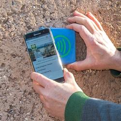 360SmartConnect propose de noyer dans le béton un dispositif RFID/NFC, permettant de donner naissance au Béton Connecté. [@ACPresse]