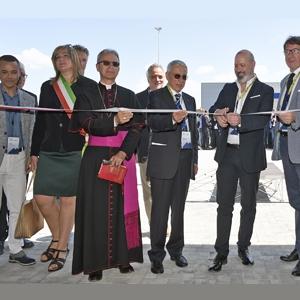 Vainer Marchesini et les autorités italiennes locales ont inauguré le nouveau centre technologique de Wam Group. [©Wam Group]