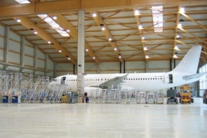 Dallage d'un hangar du Suisse Amac Aerospace réalisé par HSols Industriels. [©HSols Industriels.]