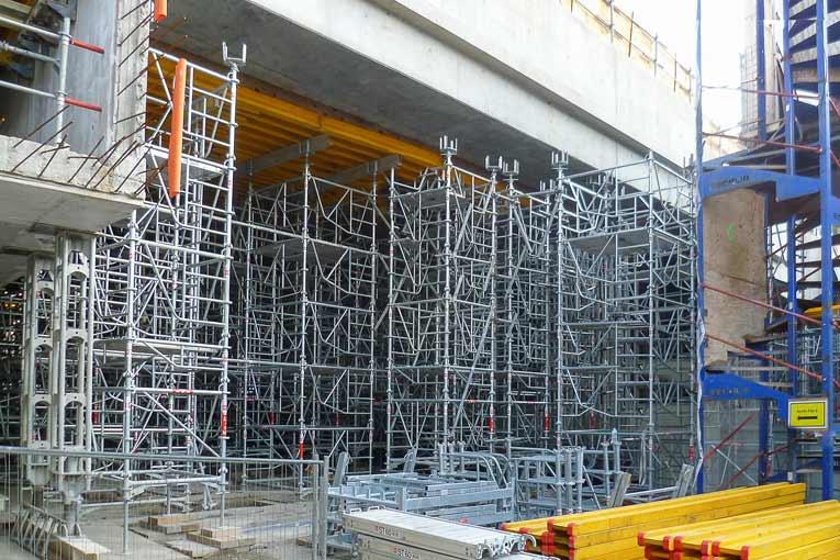 Sur ce chantier, SGB-Hünnebeck a fourni 130 t de tours ST60.  [©Brand]