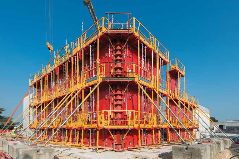 Courant juillet, ce sont pas moins de 175 m2 de voiles, d'une hauteur de 7,10 m pour une épaisseur de 30 cm, qui ont été mis en place. [©ACPresse]