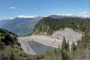 Le barrage de La Coche (73) fait partie des premiers ouvrages, ayant vu l'emploi de fumées de silice dans les formulations de béton. [©Condensil]