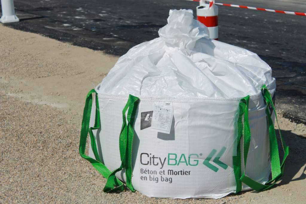 Depuis 2013, la vente des City Bag de LafargeHolcim a augmenté progressivement chaque année, jusqu'à atteindre un rythme régulier, avoisinant les 10 000 City Bag/an. [©LafargeHolcim]