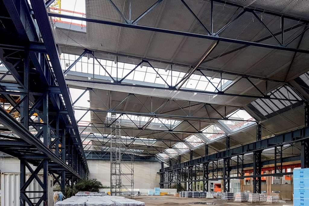 L'entreprise de préfabrication Savoie s'est attelée à la réalisation de dalles en béton et à l'enrobage en béton des pannes métalliques. [©Savoie]