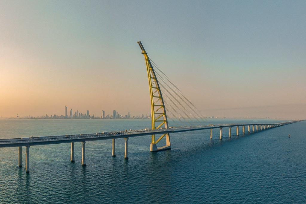 Systra a inauguré le pont Sheikh Jaber Al-Ahmad Al-Sabah au Koweït, qui constitue un record mondial : 36,1 km de pont au-dessus de la mer. [©Systra]