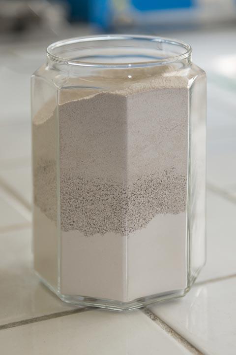 JPS Granulats produit trois qualités de fillers calcaire : un 0/63 µm, un 100/500 µm et un 500/1500 µm. [©ACPresse]