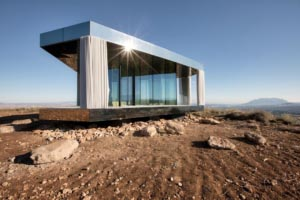 "La Casa del Desierto s'invite sur le tournage de la série ""Black Mirror"". [©Guardian Glass]"