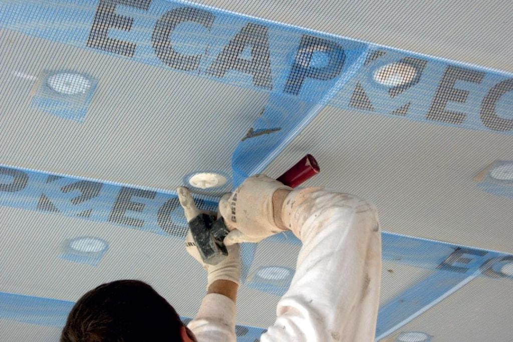 Edilteco présente Ecap Nano, un nouveau panneau de nouvelle génération, constitué d'un isolant nano-technologique en aérogel.  [©Edilteco]