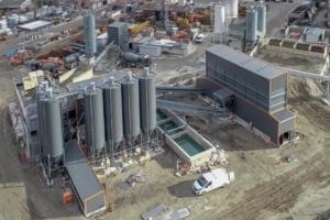 Début juin, Mauro Béton – aujourd'hui rebaptisée Béton des Fins – a inauguré une toute nouvelle centrale à béton sur son siège, à La Motte-Servolex (73). [©Béton des Fins]