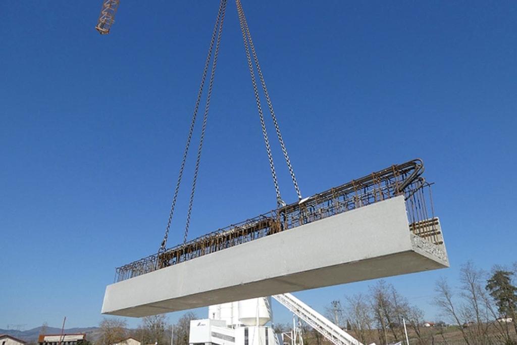 Livré depuis l'usine dans une longueur maximale de 2,70 ml, il suffit de couper le coffrage Schöck ASE pour obtenir la dimension et l'angle souhaités. [©Schöck]