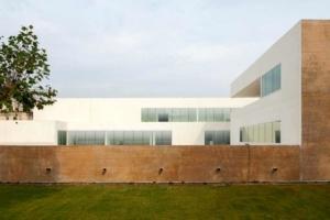 Pour Corinne Vezzoni, le Centre de conservation et de ressources du Mucem, à Marseille, reste son bâtiment le plus emblématique en béton. [©Vezzoni et Associés Architectes/ David Huguenin]