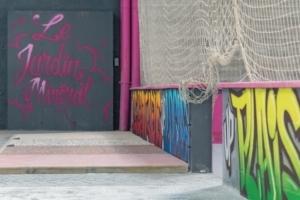 Tags et graffitis rehaussent les exemples de bétons esthétiques, donnant à l'ensemble un aspect très urbain. [©ACPresse]