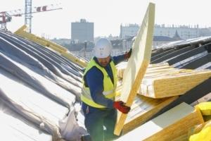 La superficie d'isolants posés dans le secteur du bâtiment a augmenté de 1,4 %, par rapport à 2018. [©Isover]