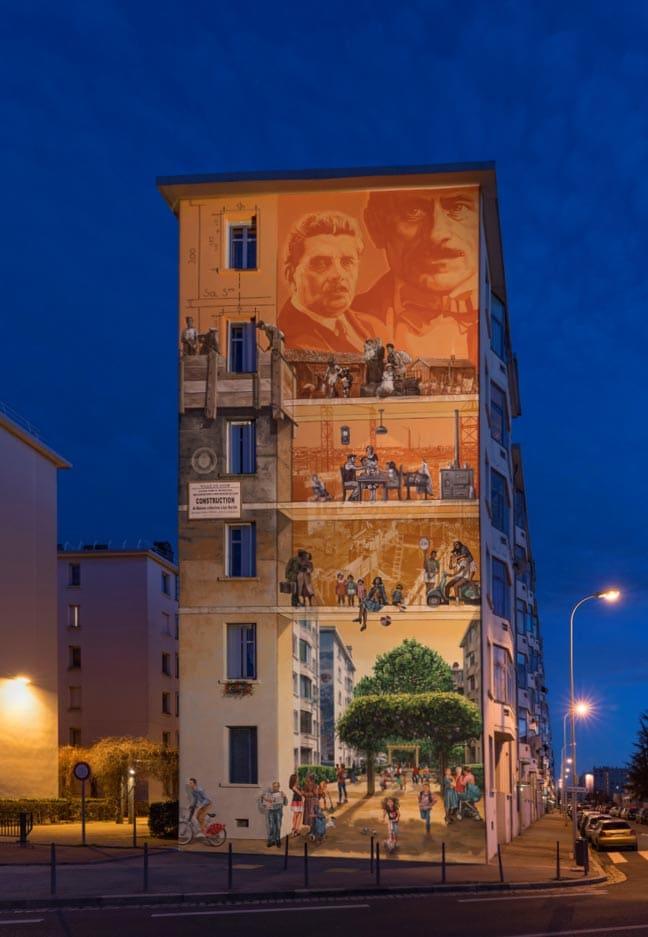 A partir de 1988, les designers de CitéCréation conçoivent et réalisent des peintures monumentales sur ses murs. C'est la naissance du musée urbain Tony Garnier. [©CitéCréation]