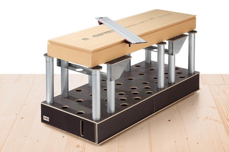 La table ST1700 Vario est le complément naturel d'un outil plongeant à chaîne hors du commun. [©Mafell]