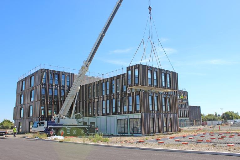 La construction a pris huit mois, contre deux années en moyenne pour ce type de bâtiment. [©Cougnaud]