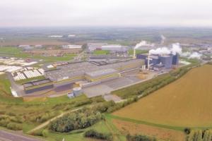 Isover-Placo a inauguré une nouvelle ligne au sein de son usine de Chemillé (49). [©Saint-Gobain]