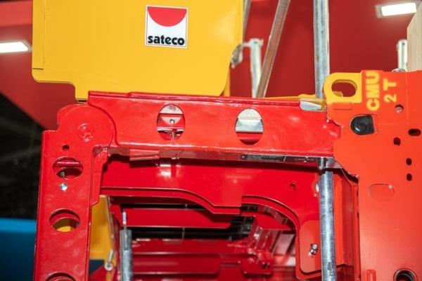 A présent, les bras de manutention de la banche-outil SC 1015 Box de Sateco sont moulés. [©ACPresse]