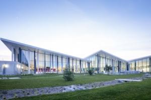 Bassins, espaces bien-être… L'Aquaparc complète l'offre sportive de la communauté d'agglomération de la région nazairienne et de l'estuaire (Carene). [©Eiffage]