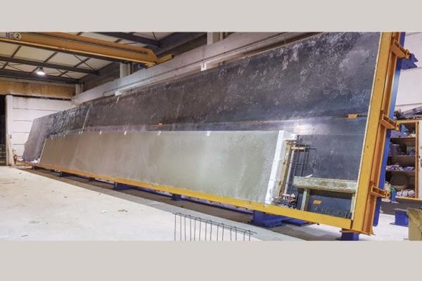 Pour Berthozat, Bianchi France a conçu et fabriqué une table relevante de 26 m, équipée de rives aimantées de 40 mm. [©Bianchi]