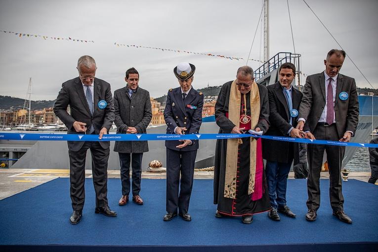 La Capo Cinto a été inauguré par Guy Sidos, PDG de Vicat, d'Anne Cullere, marraine du navire, et des autorités religieuses locales. [©Vicat]