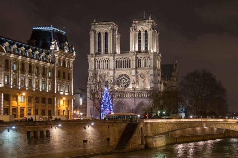 Le choix du matériau qui servira à la reconstruction de la charpente de la cathédrale Notre-Dame-de-Paris n'a pas encore été arrêté. [©ACPresse]
