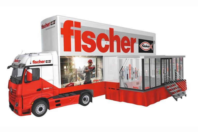 Avec ses 17,50 m de long, 6,25 m de hauteur et ses parois latérales extensibles, le Fischer Tour Truck est un centre de formation et de démonstration mobile. [©Fischer]