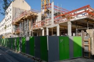 Les chantiers peuvent théoriquement poursuivre leur activité... [©ACPresse]
