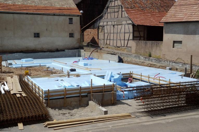 """Exiba France a édité le document """"Aide au dimensionnement de la structure béton d'un radier thermique avec du polystyrène extrudé"""". [©Exiba/Dow]"""