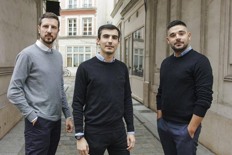 De gauche à droite : Nicolas Cèbe, architecte-co-fondateur, Jérôme Stablon, architecte-co-fondateur, et Guillaume Cantardjian, architecte-co-fondateur de l'atelier d'architecture Bien Urbain. [©Bien Urbain/Luc Boegly]