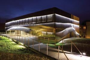 La façade ventilée n'a de cesse d'évoluer pour pouvoir répondre aux attentes d'architectes. [©ArcelorMittal]