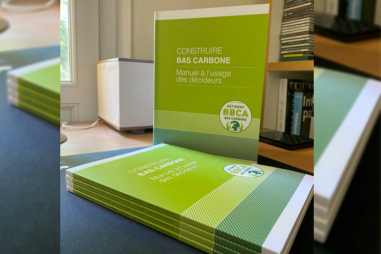 "L'association BBCA publie ""Construire bas carbone, manuel à l'usage des décideurs"". [©Association BBCA]"