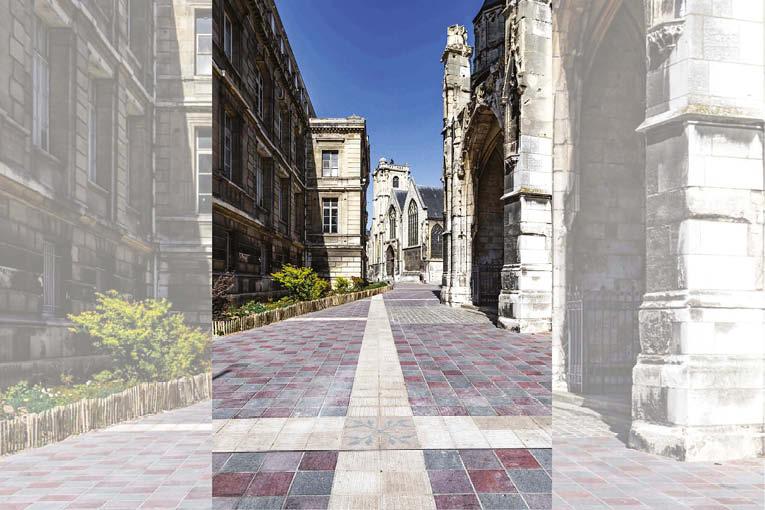 Les dalles de porphyre et de comblanchien recouvrent à présent la totalité de la rue Jacques Villon, redevenue piétonne. [©SNMS]