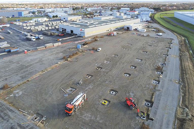 Rector Lesage vient d'investir 20 M€ dans l'extension de l'usine de préfabrication de Tournefeuille, en Haute-Garonne. Dès la fin de cette année, l'unité assurera la production locale de murs à coffrage intégré.