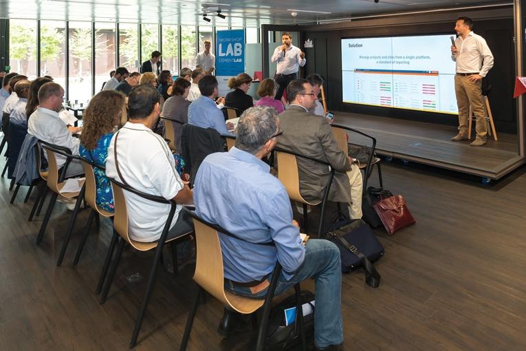 Les rendez-vous du Cement Lab donnent la possibilité aux start-up de présenter leurs solutions devant un parterre d'industriels et d'entreprises. [ACPresse]