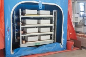 Solidia a développé sa propre chambre de cure pour injecter le dioxyde de carbone dans des blocs de béton, ou d'autres éléments. [©Solidia]
