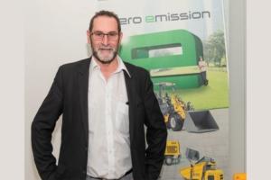 """« La vibration du béton fait partie des gènes de Wacker Neuson », rappelle Patrice Boffo, directeur de l'activité béton et chef de produits """"gamme légère"""". [©ACPresse]"""