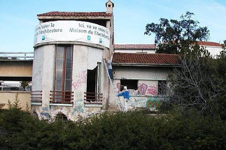 Chantier de la réhabilitation de la villa Romée, future « Maison de l'Architecture », 2002 [©Maison de l'Architecture]