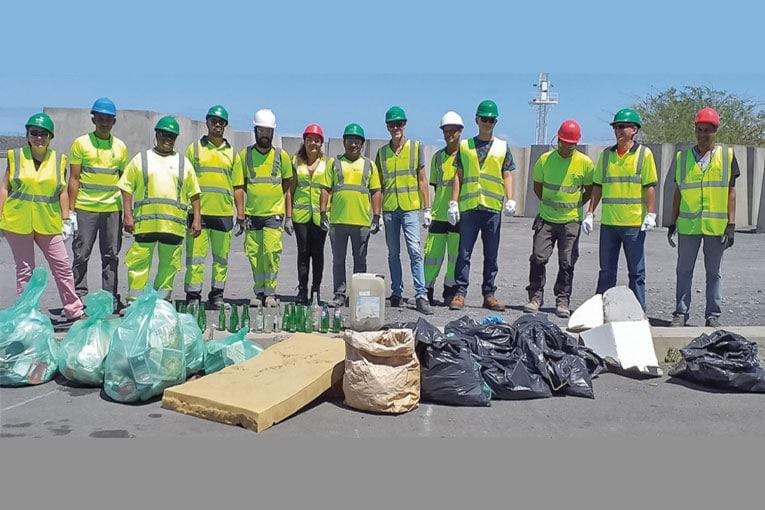 Une soixantaine de bénévoles ont été réunis par Teralta, afin de participer au World CleanUp Day, sur l'île de La Réunion. [©Teralta]