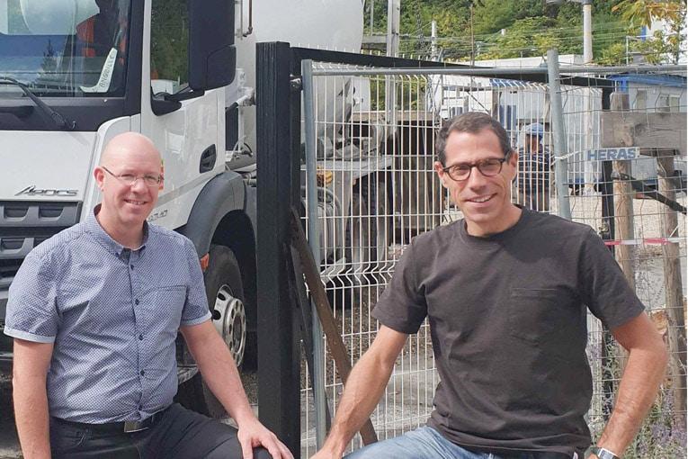 Sébastien Hoblingre, directeur de la transformation digitale chez Fehr, et Julien Lebourgeois, fondateur de Béton Direct. [©Béton Direct]