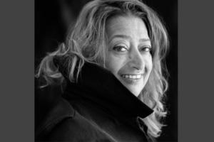 Fantasque, avant-gardiste, Zaha Hadid a laissé une empreinte indélébile sur le monde de l'architecture. [©Brigitte Lacombe]