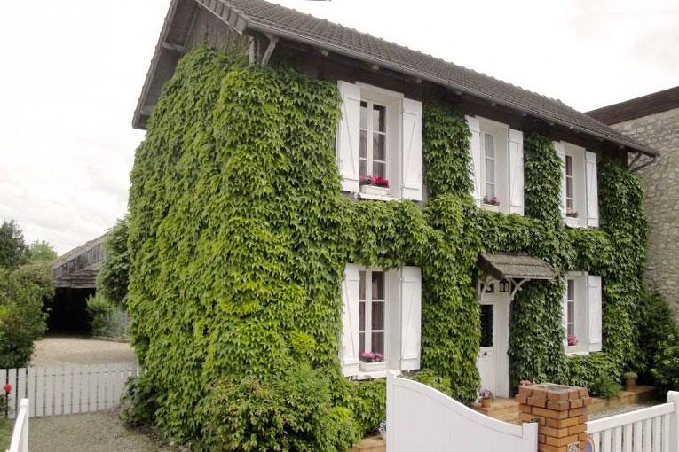 La maison Feuillette, centenaire, est devenue la maison d'hôte du CNCP, tandis que le jardin est destiné à des équipements pédagogiques. [©CNCP]