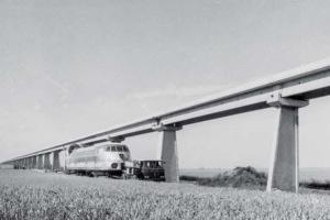 C'était avant tout un rêve d'ingénieur : faire voler un train sur coussin d'air à plus de 400 km/h. [©L'Association des Mais de Jean Bertin]