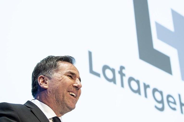 Président de LafargeHolcim, Jan Jenisch s'est engagé auprès de la SBTi pour réduire l'empreinte carbone de sa production de matériaux. [©LafargeHolcim]