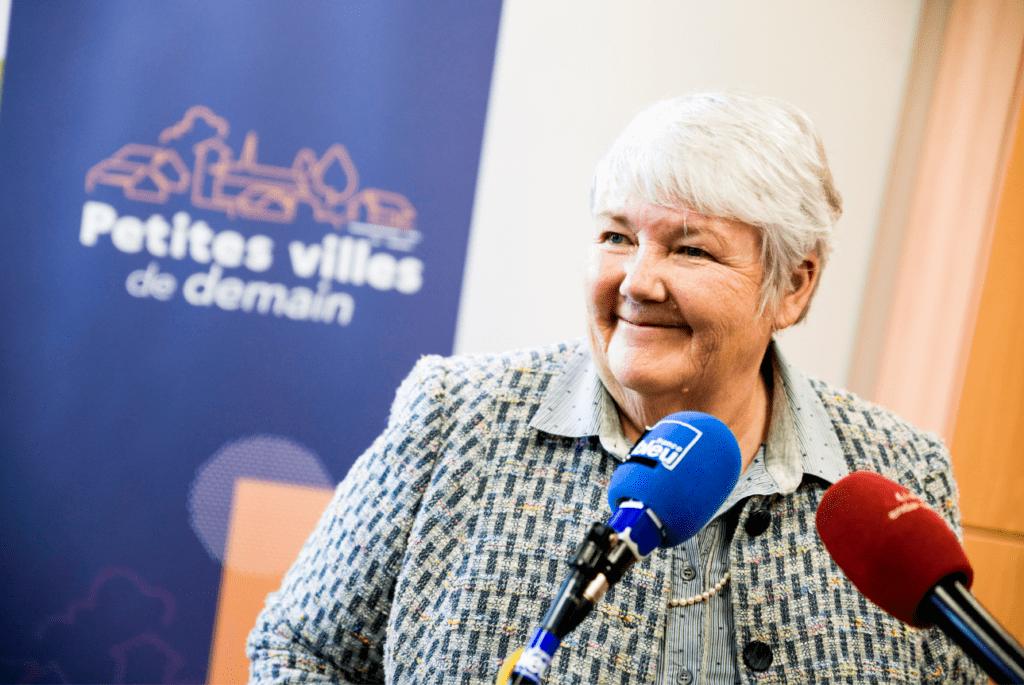 """Déplacement de Jacqueline Gourault à Barentin pour le lancement du programme national """"Petites villes de demain"""". [©Damien Carles / Terra]"""
