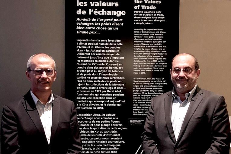 A gauche, René Colombel, président du directoire de Precia Molen, et à droite, Marc Schwartz, directeur de la Monnaie de Paris. [©DR]
