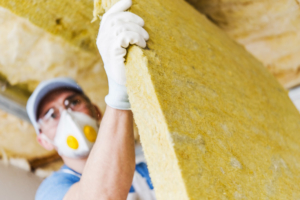 Le gouvernement lance un nouveau crédit d'impôt pour la rénovation énergétique des TPE et PME. [©Toit photo créé par welcomia - fr.freepik.com]
